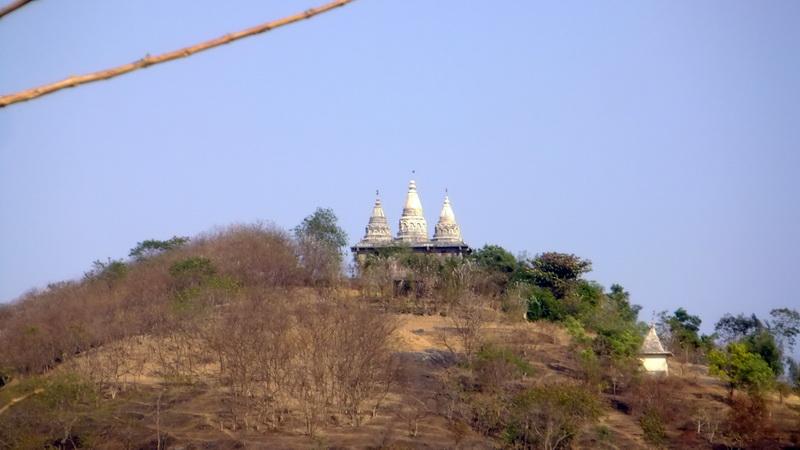India - Vipassana, Ganesha temple